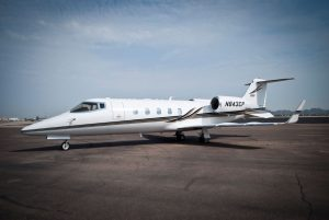 Cutter Aviation Charter LearJet 60 - N843CP - 3